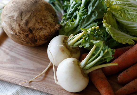 野菜の栄養素をまるごと摂りたいから、基本的に、スムージーには食材を皮ごと入れます。