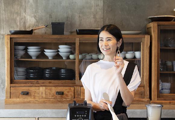 料理家に転身して10年、レストラン「HITOTEMA」をオープンして5年半。