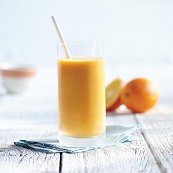 オレンジ・りんご・にんじんのスムージー