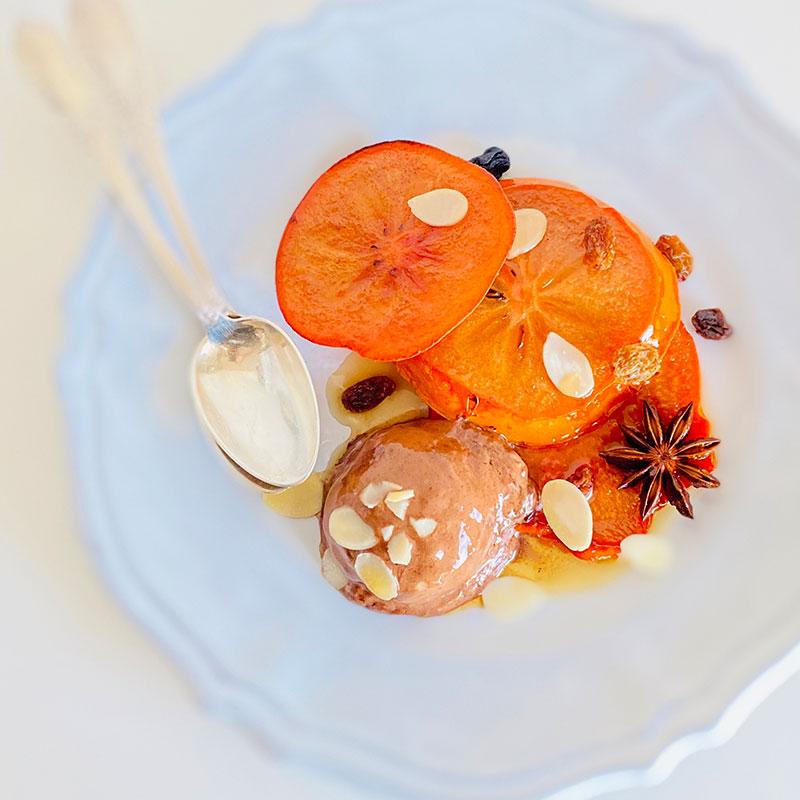 ジンジャーチョコアイスと柿のソテー