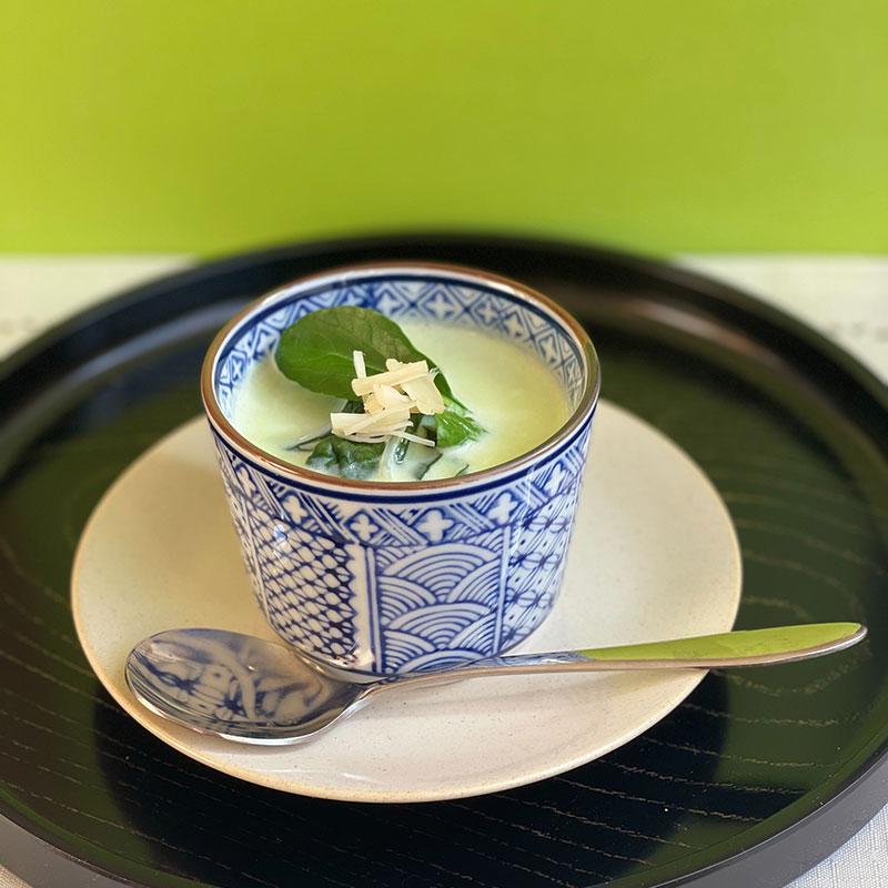 ホタテと小松菜の豆乳スープ