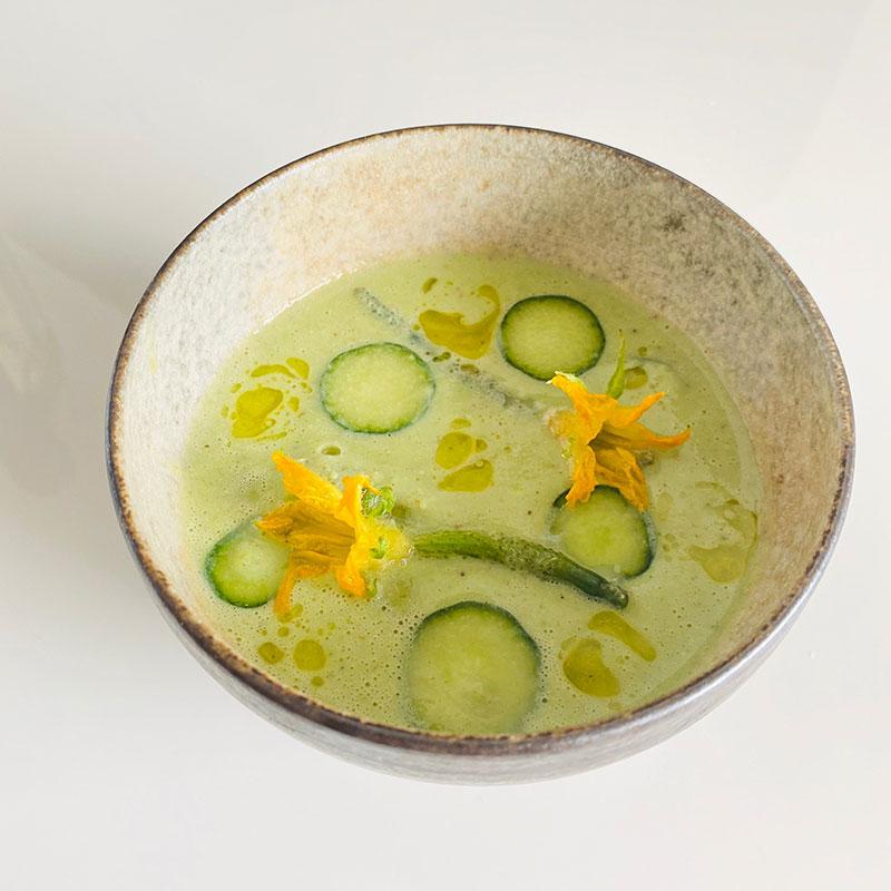 枝豆と胡瓜の冷製スープ